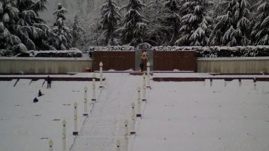 Снег на мемориале
