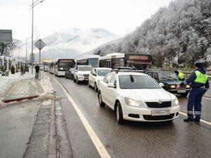 В Красную Поляну ограничен въезд частного транспорта
