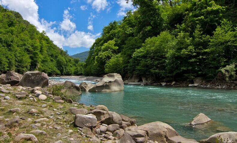 Сочи вид на реку возле аула Тхагапш
