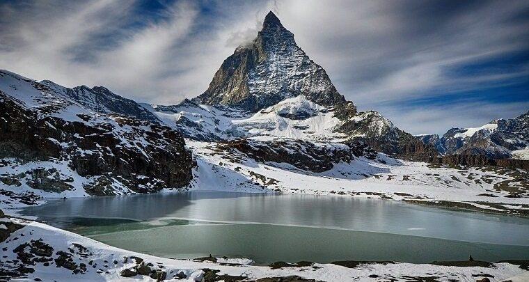 Популярные горнолыжные курорты России