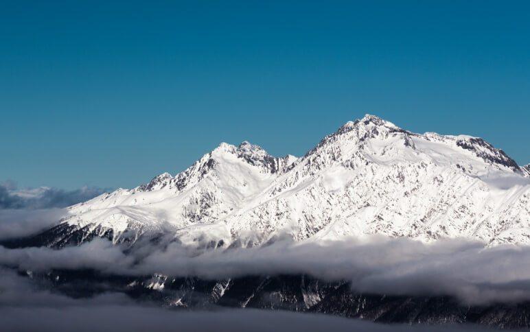 Роза Хутор вид на снежные горы