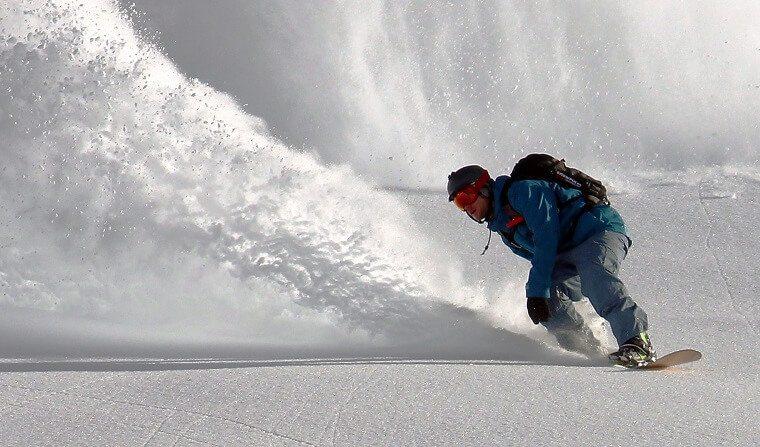 Пропавшего сноубордиста в горах Сочи нашли