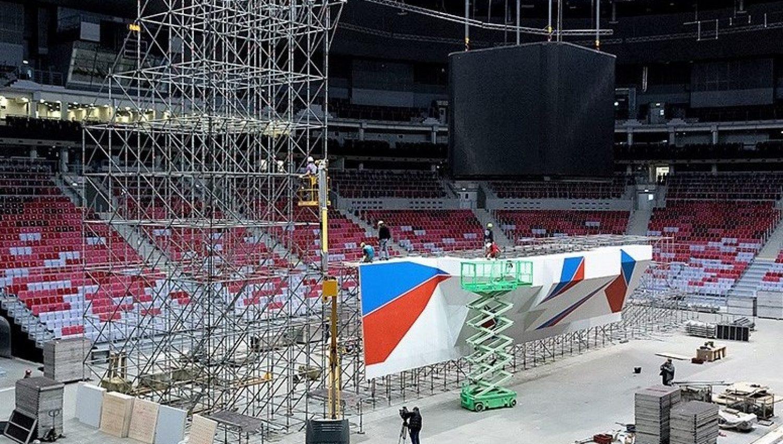 """В ледовом дворце """"Большой"""" собирают скалодром для III зимних Всемирных военных игр"""