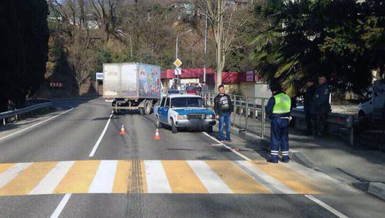 В Лазаревском грузовик сбил ребенка