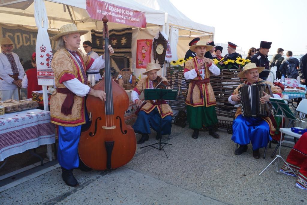 Украинский дворик на празднике