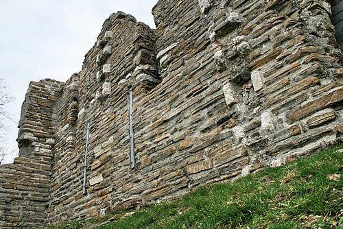 стены древнего Византийского храма