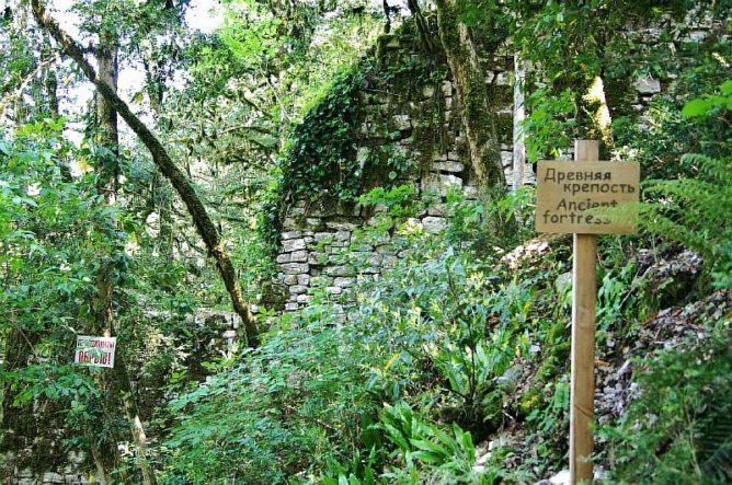 развалины старой крепости
