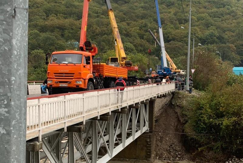 работы по ремонту рухнувшего моста Сочи-Джубга
