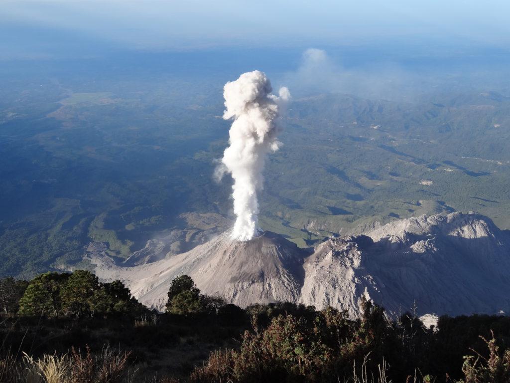 15 самых опасных действующих вулканов в мире