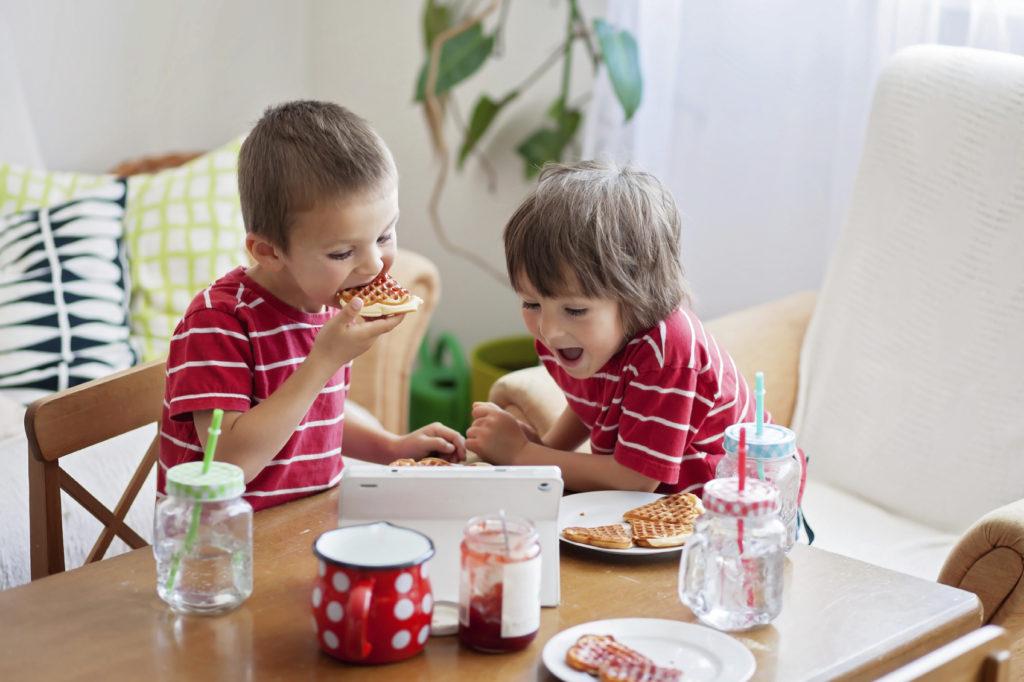 Как накормить ребенка: 5 хитрых советов