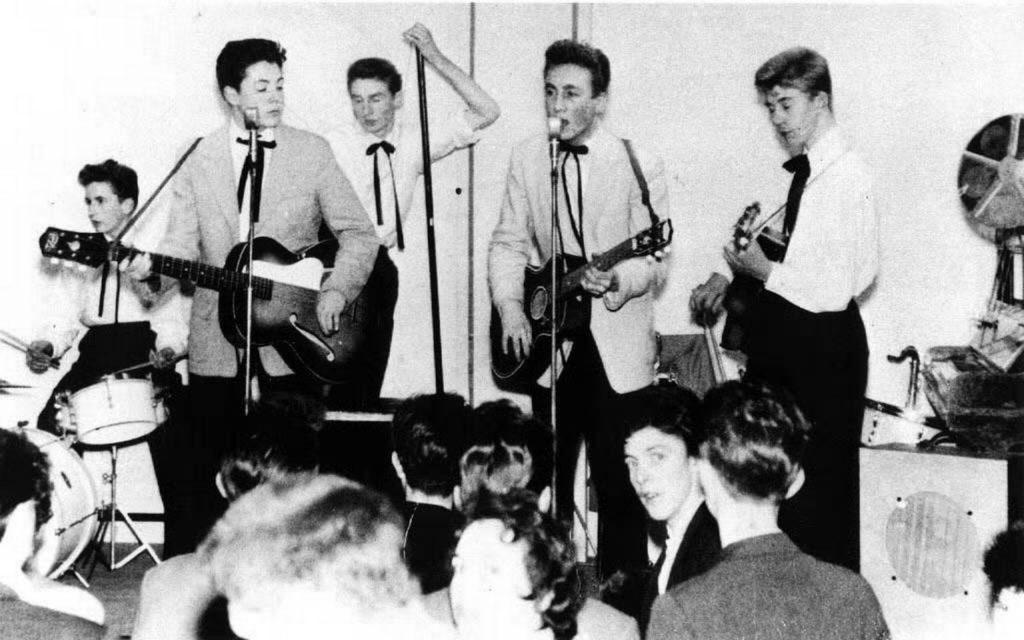 Откуда пошло название группы «The Beatles»