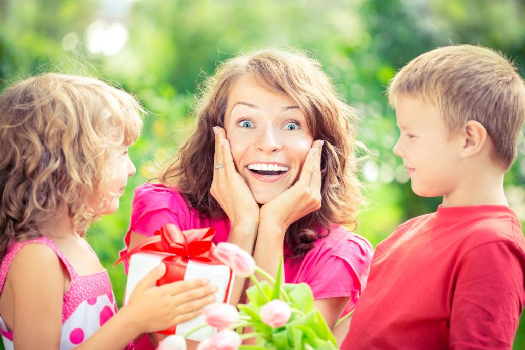 поздравления мам с малышами что связей