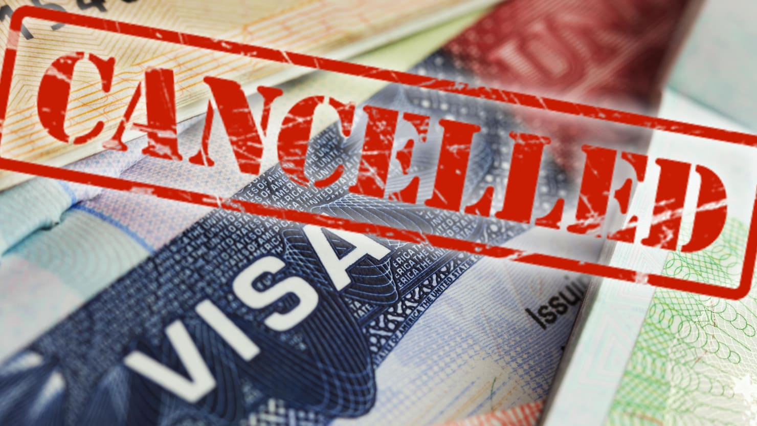 В выдаче визы отказано: мифы и реальность