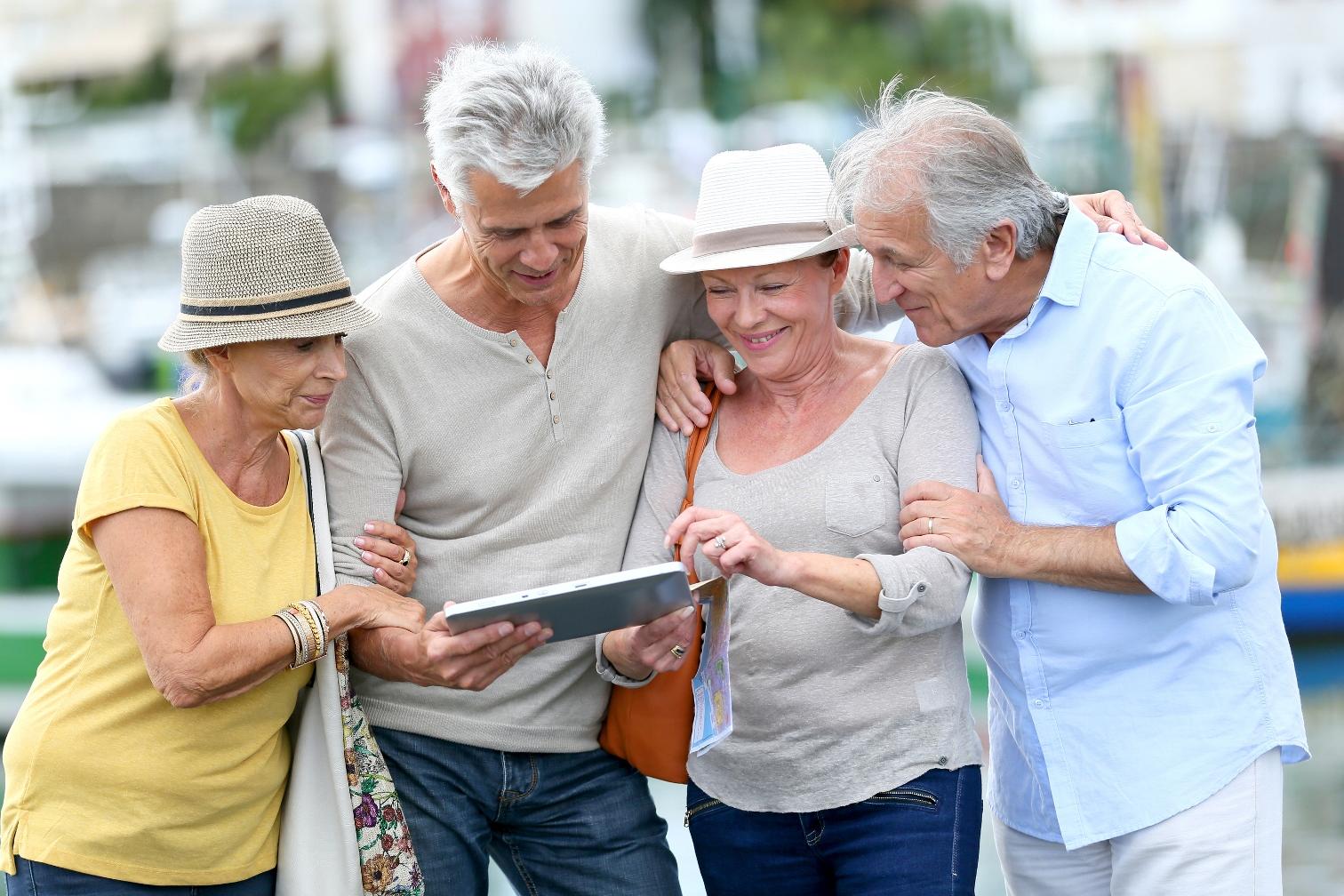 картинки на тему пенсионеры знаю