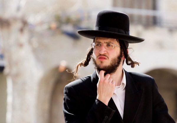 Зачем евреи отращивают волосы на висках