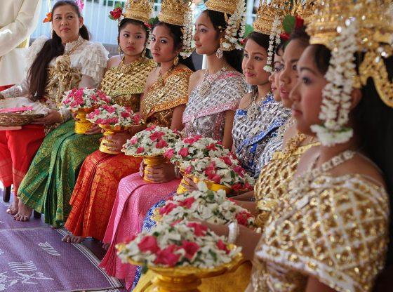 женщины Камбоджа