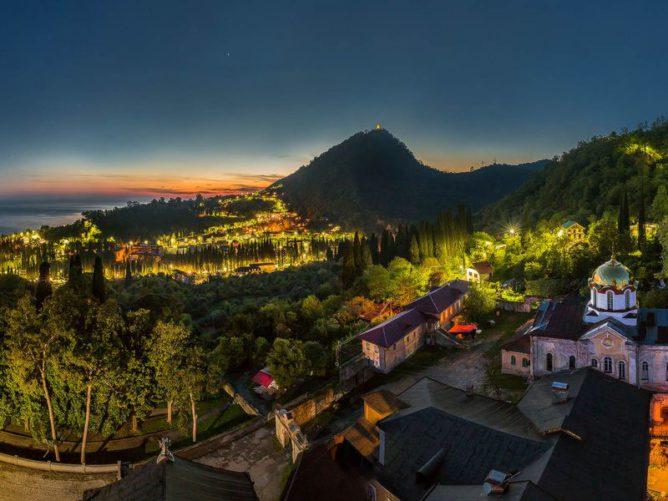 Тур по Абхазии: Гагра и Новый Афон