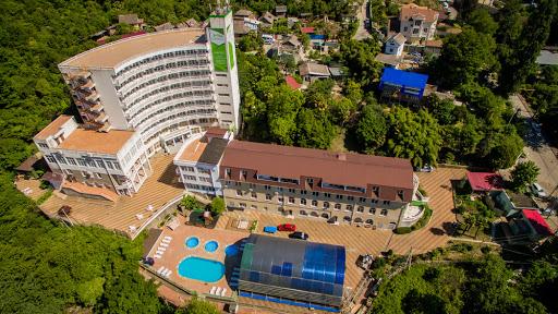 Garden Hills Hotel